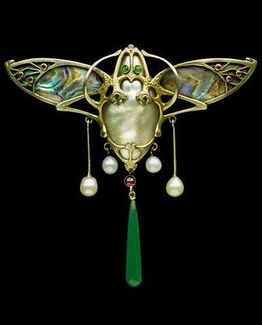 simply beautiful .... wonderfully made .... I'd wear it !! ..., Silver gilt, abalone pearl, chalcedony, garnet, glass and natural pearl Jugendstil pendant/brooch, by Emil Reister, Germany, circa 1905.