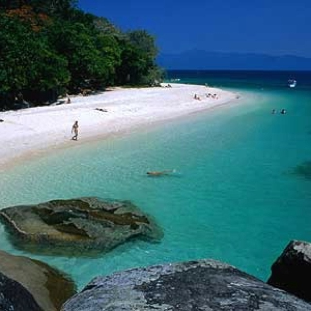 The great barrier - Cairns - Australia.  Love the sea and the beach!