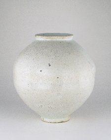 Korean moon jar owned by Bernard Leach and Lucie Rie, British Museum