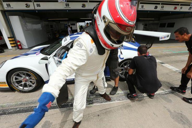 Depois de nove anos sem disputar uma prova oficial, o tricampeão mundial de Fórmula 1Nelson Piquetvoltou às pistas. agora na Porsche GT3 Cup. Na Fórmula 1, Piquet venceu 23 corridas e foi campeão em 1981, 1983 e 1987. Foto: Luca Bassani / Porsche GT3 Cup