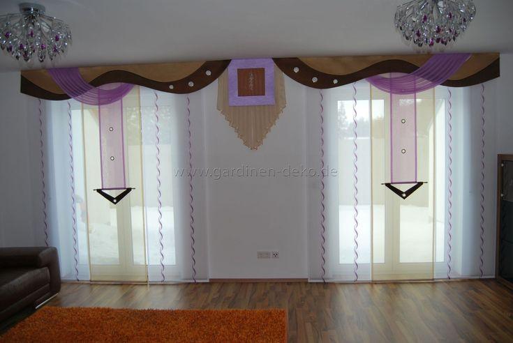 Wohnzimmer Schiebevorhang in lila-beige mit braunen Bogen - wohnzimmer deko lila