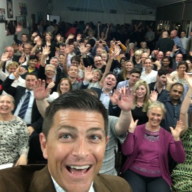 Huge turnout in Melbourne last night to hear Alex Angle speak about how he and his wife built a Hugely successful business in their spare time which allowed him to retire from his IT job. Great story. #teammak by dommckenna