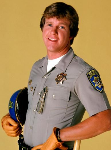 Chips TV Show   CHiPS star Larry Wilcox , who played motorcycle officer Jon Baker in ...