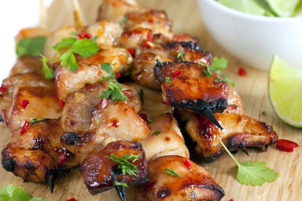 Skewers of chicken with honey