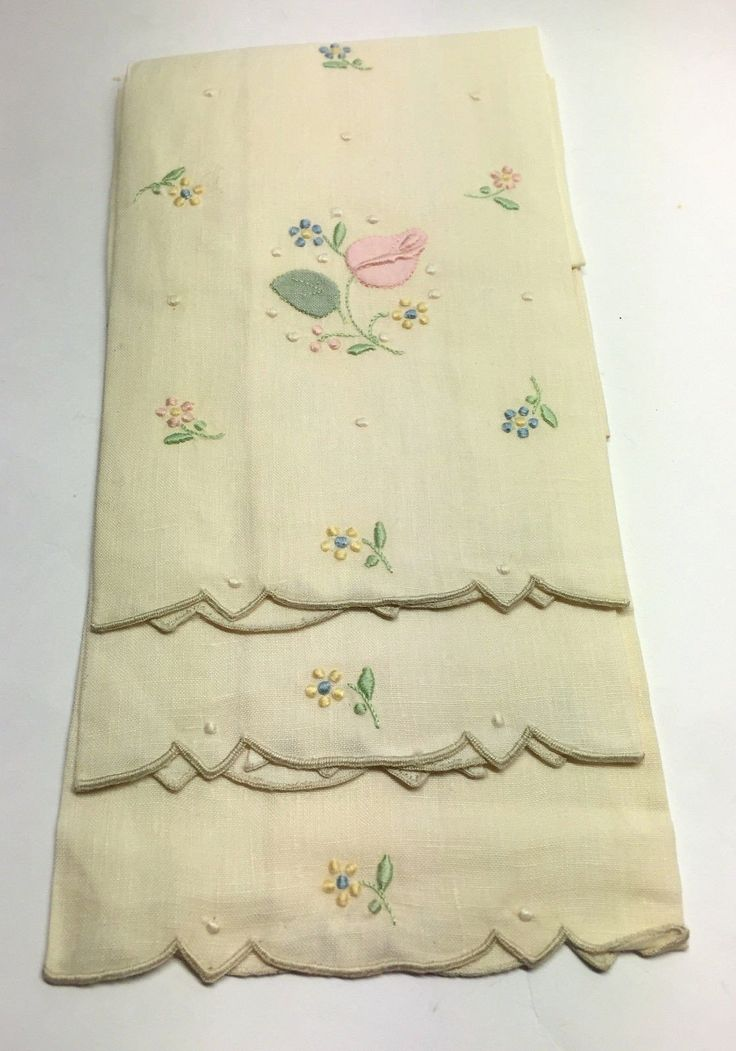 IRISH LINEN COMPANY Set of 3 Ivory Linen Multi-Color Floral-Embroidery Guest Towels