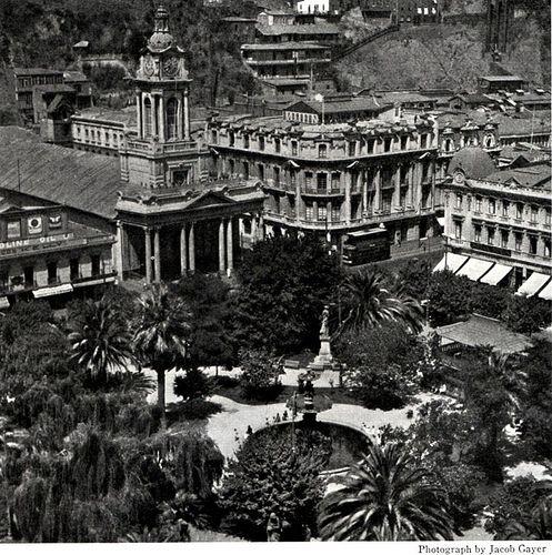 plaza victoria de valparaiso y la iglesia del Espiritu Santo 1923   Flickr - Photo Sharing!