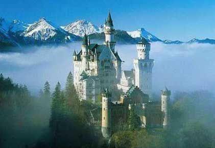 Neuschwanstein Castle:Snow white's castle.. a must see in Germany..Walt Disney, Favorite Places, Places I D, Disney Castles, Cinderella Castle, Sleep Beautiful Castles, Neuschwanstein Castles, Castles In Germany, Bavaria Germany