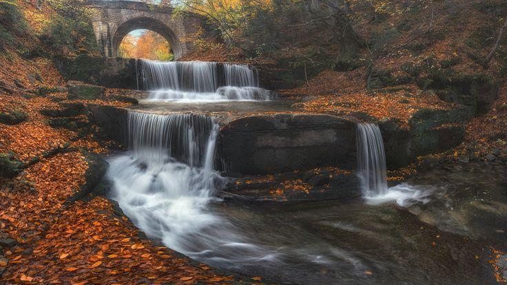 Скачать обои мост, Bulgaria, водопад, листья, Болгария, осень, река, каскад, раздел пейзажи в разрешении 1920x1080