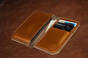 HELLBRAND LEATHERWORKS Chromexcel Leather iPhone Wallet $180