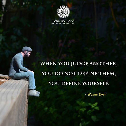 人を決めつけると、その人達のことを明かにしているのではなく、 自分自身のことを明らかにしているのです。   ウェイン・W・ダイアー(Wayne Walter Dyer、1940年 5月10日 - )は、アメリカ合衆国 のスピリチュアリスト 。 1940年 、ミシガン州 デトロイト に生まれる。孤児院で育つ。高校卒業後、ウェイン州立大学 でマズロー の自己実現 をさらに発展させ、個人の生き方を重視する意識革命を提唱。世界的に評価されている。数多くの本を出版。自己啓発ムービー等も出版している。博士号を取得。心理学博士。