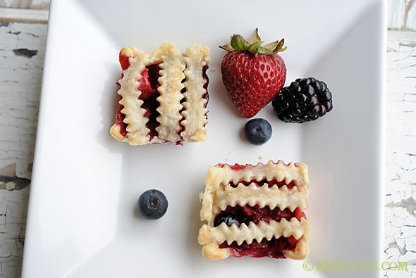 Mini Fruit Pies from Zestuous.