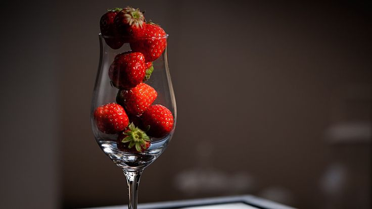 awesome strawberries in glass HD