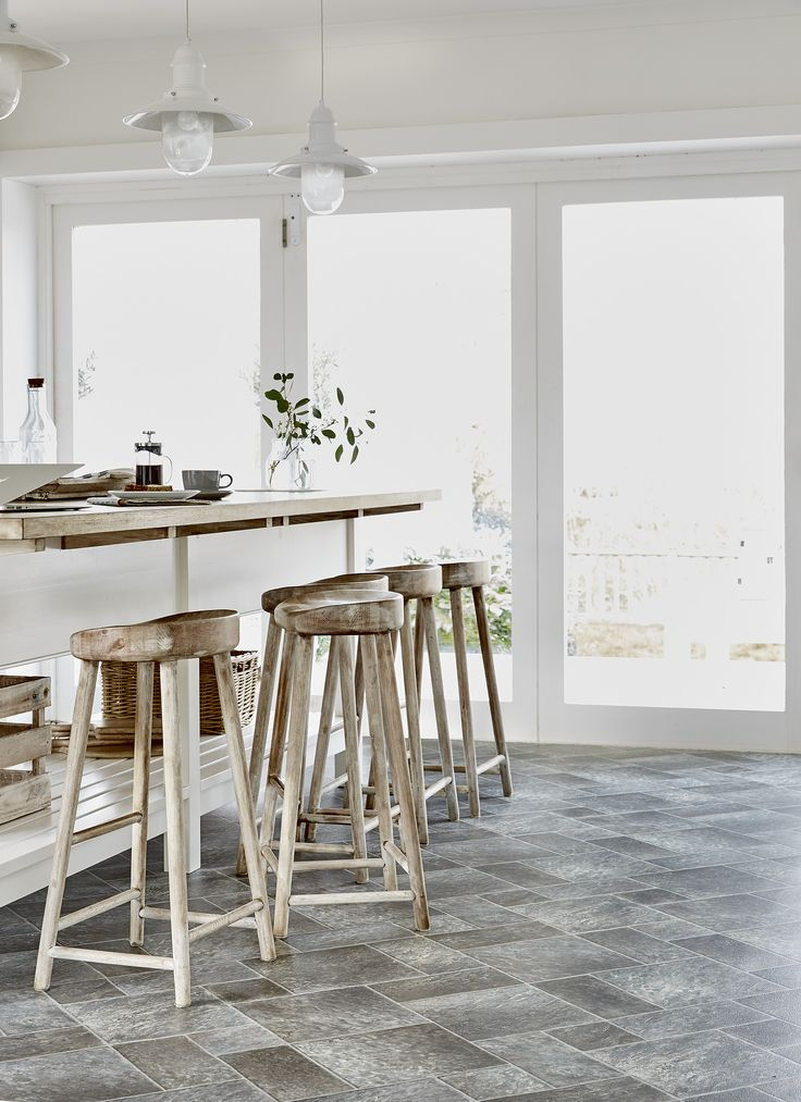 We love our new roomset featuring Stonemark Venturi - a bright and airy feel! www.leoline.co.uk