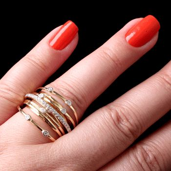 Anel de Prata com Zircônias e Banho de Ouro  http://www.soprata.com.br/anel-de-prata-com-zirconias-e-banho-de-ouro---34202-33237.aspx/p