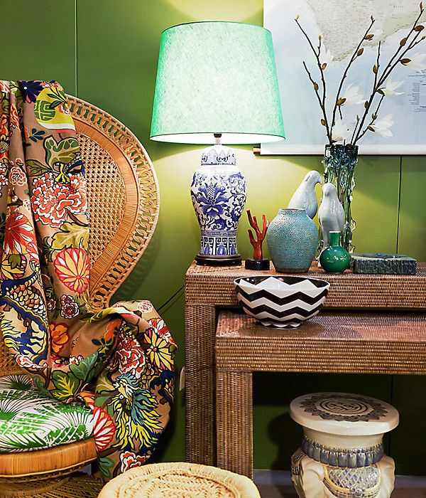 The peacock chairs goes tropical.