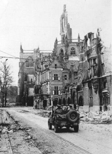 Arnhem, Bevrijding. Maarten van Rossumhuis. 01-01-1945
