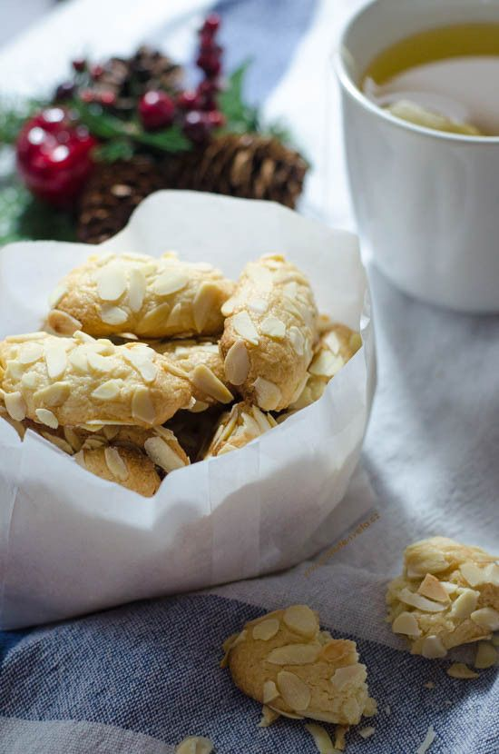 vánoční cukroví: mandlové válečky