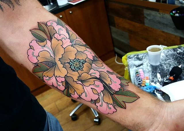 Neo-Traditional Japanese Peony tattoo. Done by Elliott Wells at TripleSix Studio in Sunderland, UK. All done with the new ego r12 machine and fusion inks.