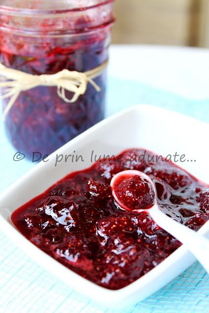 Homemade Romanian strawberry preserve - oh, so good!