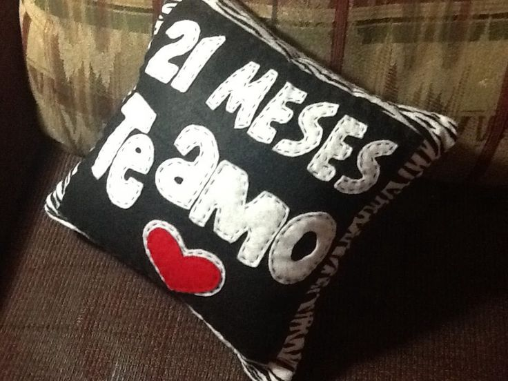 "21 meses te Amo Cojín Personalizado / pillow with message ""I Love You"""
