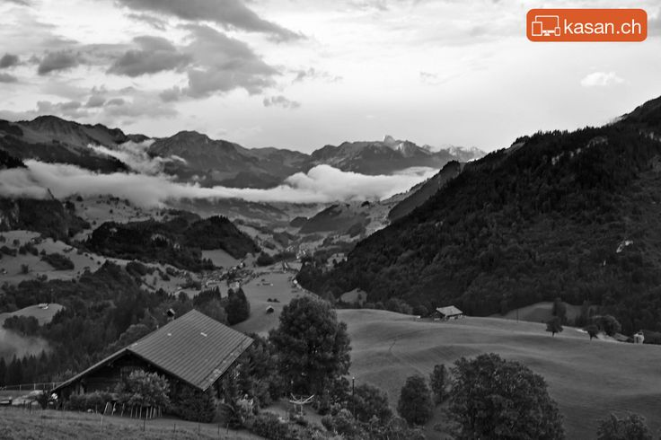 Mountains and Clouds – Jaunpass Switzerland. On the way back from Gstaad. Pictures by Ting – www.kasan.ch