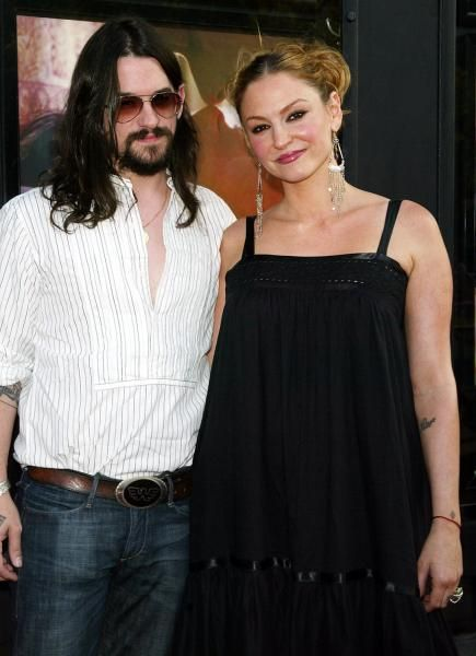 Drea de Matteo and her fiance Shooter Jennings are the proud new parents of a baby boy – Waylon Albert Jennings. This is the 2nd child for Drea and Shooter. Their first, a girl – is 3 years old and named Alabama Gypsyrose. Shooter Jennings is the son of the late country great Waylon Jennings. Drea De Matteo is best known for her role as Adriana on The Sopranos, as well as playing the role of Angie Bolen on Desperate Housewives.