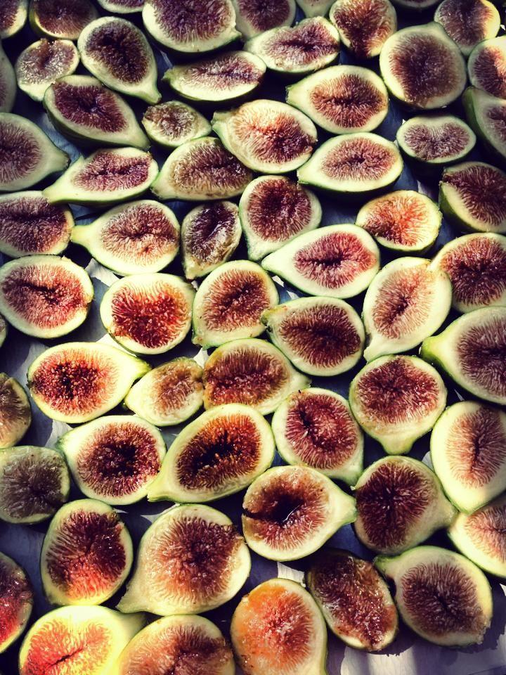 Ed ecco un altro utile suggerimento per conservare la frutta ed evitare gli sprechi.  And here's another useful tip to preserve fruits and avoid waste. http://www.ehabitat.it/2014/07/28/come-conservare-la-frutta-di-stagione-facciamo-i-fichi-secchi/