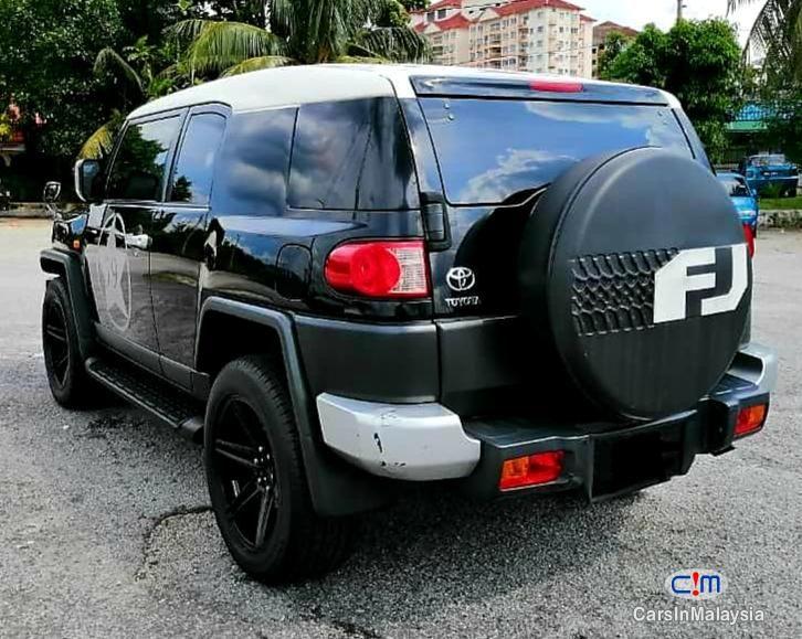 Toyota Fj Cruiser 4 0 4wd Sport Suv Sambung Bayar Continue Loan Photo 2 Carsinmalaysia Com 47087 In 2020 Sport Suv Toyota Fj Cruiser Fj Cruiser