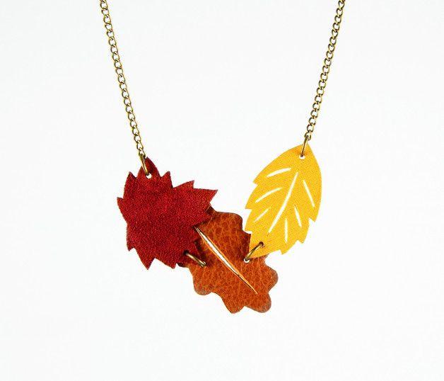 autimn in DaWanda  Colliers – Autumn Trio Statement Necklace Red Marsala Leafs – a unique product by edelconfetti on DaWanda