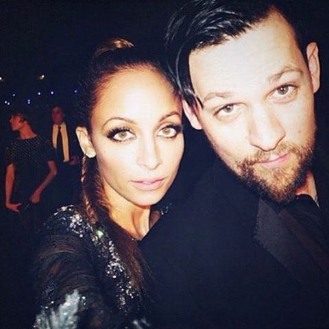 Pin for Later: Get a Glimpse of How Madly in Love Joel Madden Is With Nicole Richie He Takes Selfies With Her