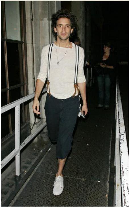 Mika Aug 2009 Michael Holbrook Penniman leaving BBC Radio 1 Studios, London, England, UK