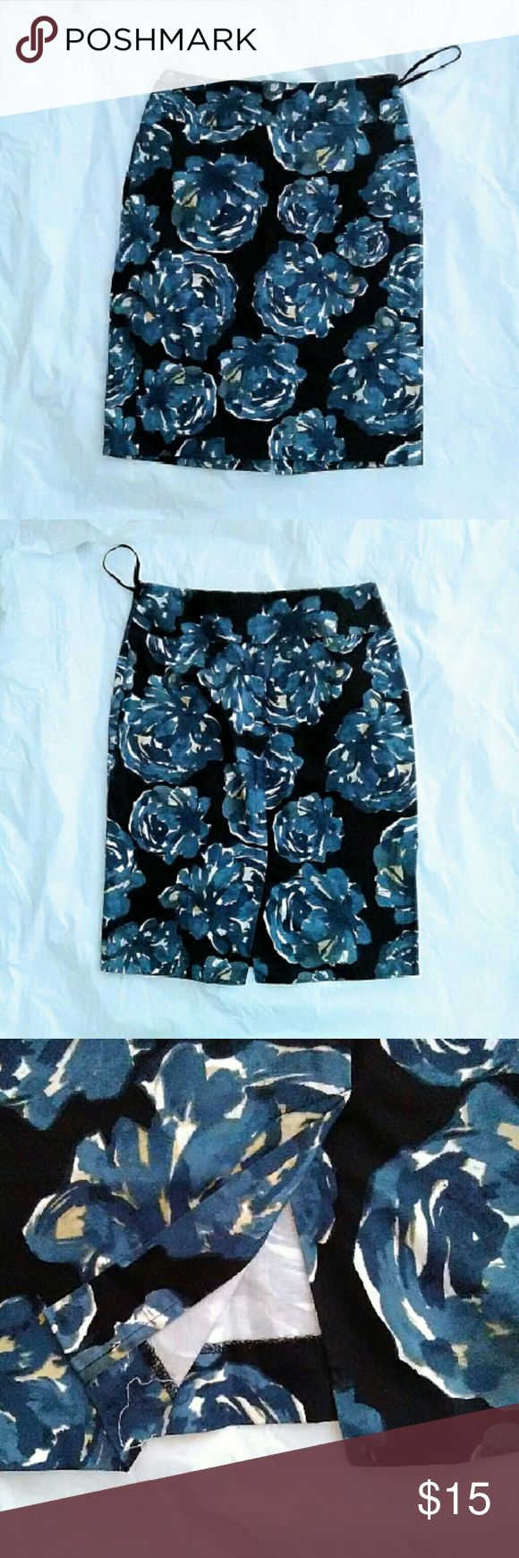 Alfani Floral Print Skirt Blue and white print on black. Slim fit skirt with small slit in the back. 96% Cotton 4%spandex. With side zipper. 22 inches long. Excellent like new condition. B2 Alfani Skirts Midi
