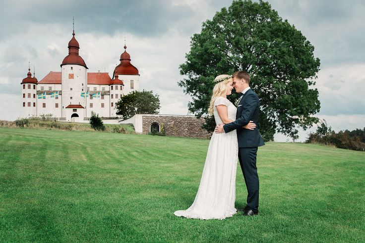 The prince got his princess in this Swedish fairytale wedding. Bröllop i Läckö slot