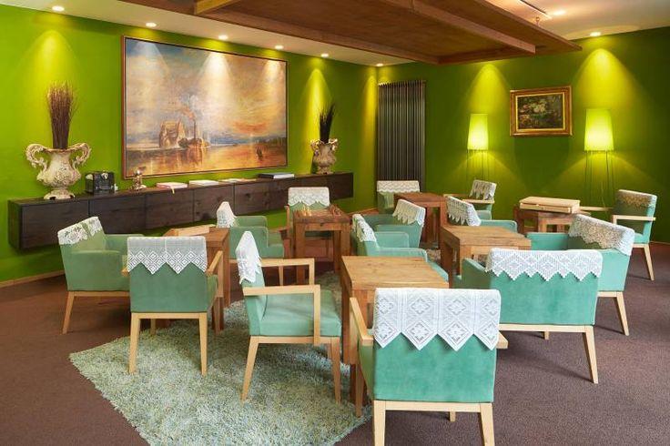 25hours Hotel Frankfurt The Goldman Wohnzimmer