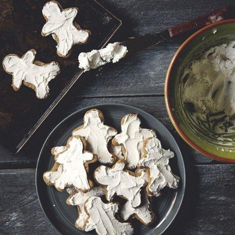 Blast that Michael Buble and bust out your mixing bowls because it's time to make the best gosh darn Gingerbread Men Cookies you've ever tasted. Featuring our brand new Madagascar Vanilla White Balsamic Vinegar!