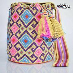 23 отметок «Нравится», 1 комментариев — Just Wayuu (@just.wayuu) в Instagram: «Handcrafted handbags made by indigenous wayuu in the north of Colombia. Worldwide shipping – envíos…»