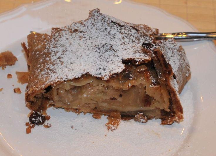 German Apple Strudel • Original German Recipes