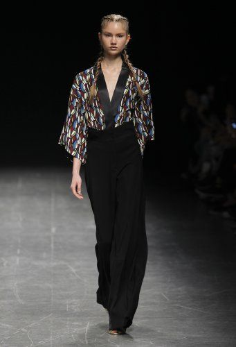 Carlos Gil - Desfile - Milano Moda Donna SS17 - Edições
