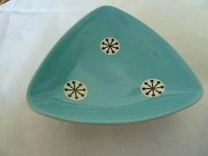 Hornsea Pottery tricorn pin dish 1958 John Clappison