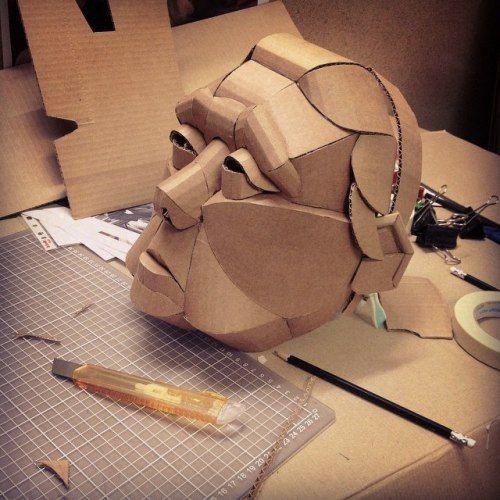 el carton como material escultorico