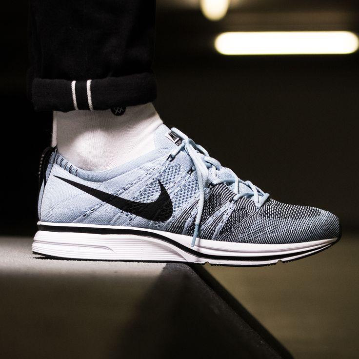 Nike Flyknit Trainer Cirrus Blue / Black / White