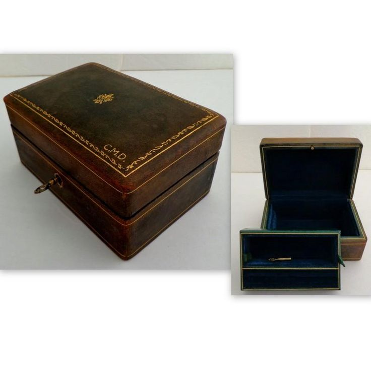 Italian Green Leather 2 Tier Jewel Case.  Smaller Size.  Lock & Key.  Gold Embossed.