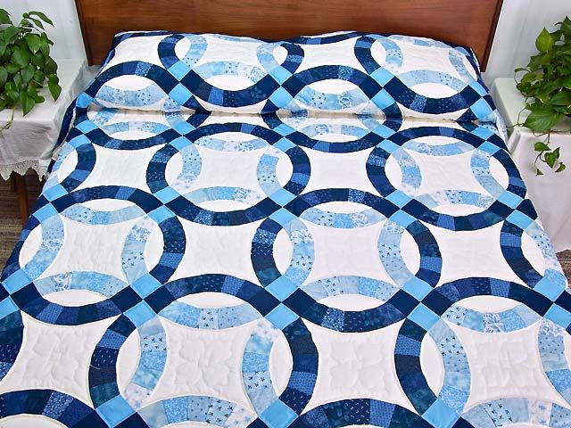 navy blue and cream double wedding ring quilt photo 1 - Wedding Ring Quilt Pattern