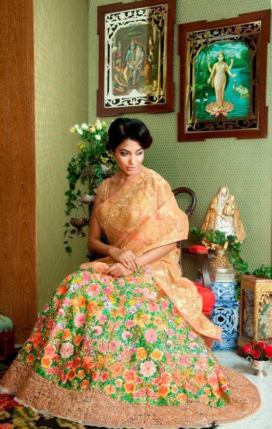 Desi Indian bride dulhan make up lehenga