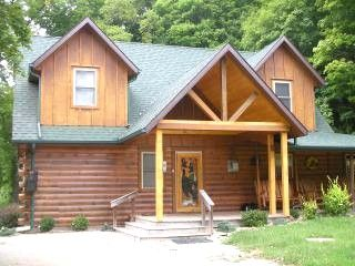 $200.00/night - Beautiful Log Cabin