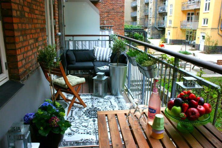 Un terrazzo...un salotto in più :) !
