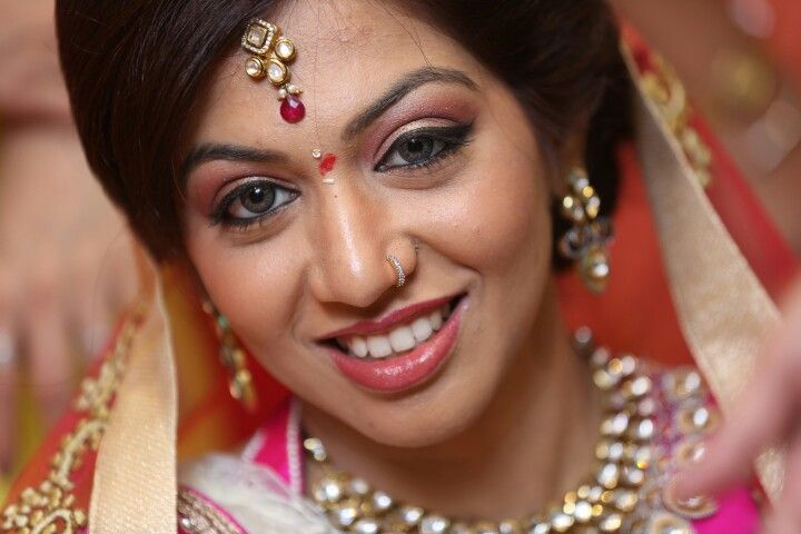 Indian Bride! Beautiful! Happiness! Smile! Maang tikka! Nose pin! Kundan jewellery! Lens color!