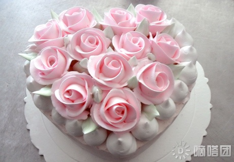 Pink Roses Heart Shape Cake