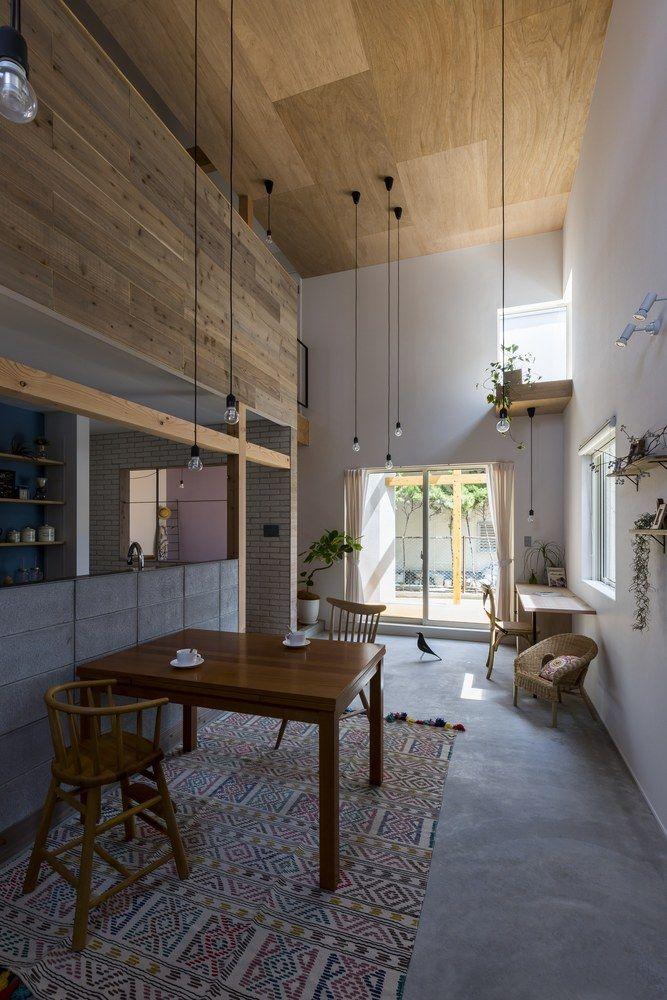 Gallery of Uzi House / ALTS Design Office - 14