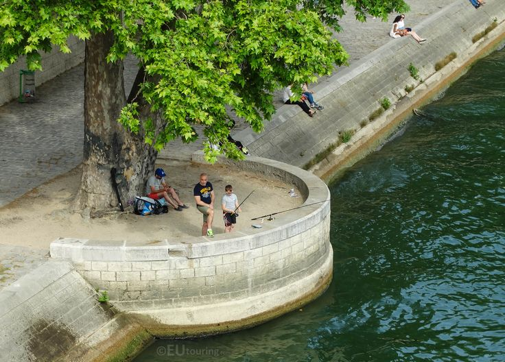 Fishing along the Seine is becoming a more popular hobby after the clean up of the river in 1999.  Find out more; www.eutouring.com/images_paris_city_life_219.html